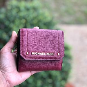 NWT Michael Kors HAYES Leather Med Trifold Wallet